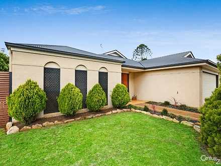 House - 36 Banksdale Drive,...