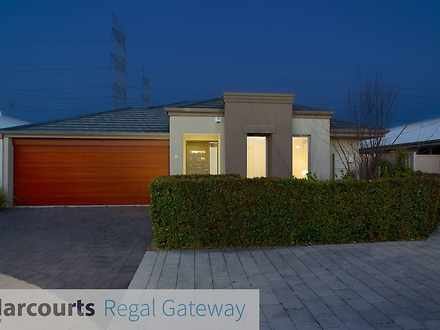 House - 11/42 Baler Court, ...
