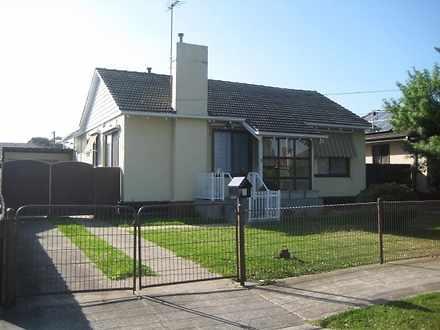 House - 8 Hinkler Street, B...
