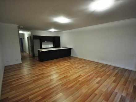 Apartment - 17/1  Lawson St...
