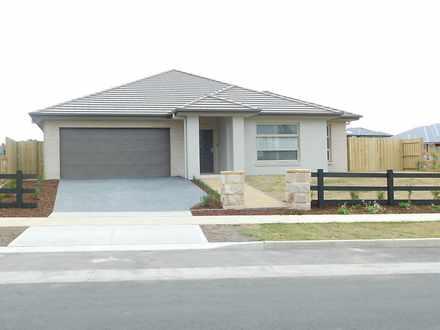 House - 45 Fairway Drive, W...