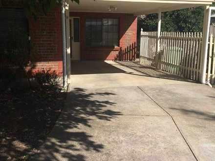 House - 9 Sawyer Crescent, ...