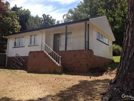 House - 2 Yanco Street, Win...