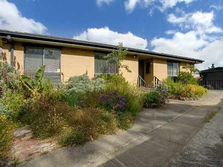House - 4 Curlew Court, Has...