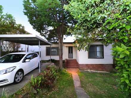 House - 48 Rosebank Avenue,...