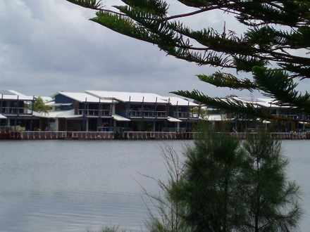 Townhouse - Coombabah 4216,...