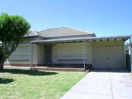 House - 28 Walsh Street, St...