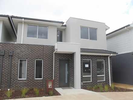 House - 8 Kangaroo Paw Cour...