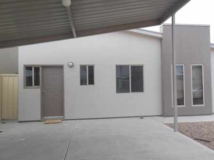 House - 12 Barrie Robran Ga...