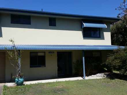 House - 4 Burrawong Place, ...