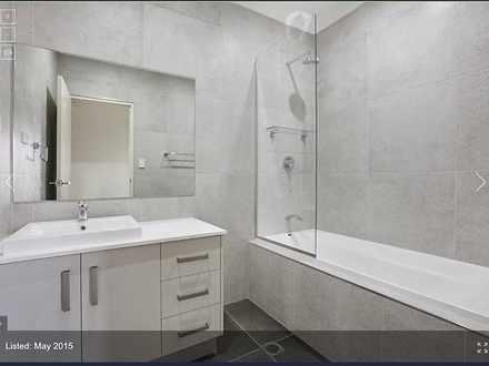 House - 5 Redmond Crescent,...
