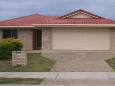 House - 28 Banksia Drive, R...