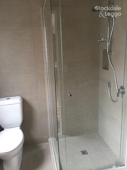8a8203c72e5940c9899da490 21581 bathroom 1483497456 primary
