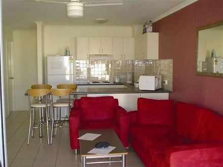 Apartment - 2/94-8 Varsity ...