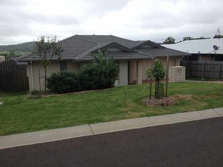 House - 17 Paperbark Drive,...