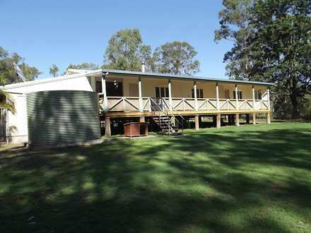 House - Apple Tree Creek 46...