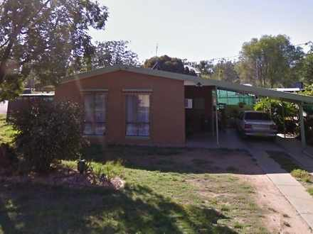 House - 9 Dorward Place, Mo...
