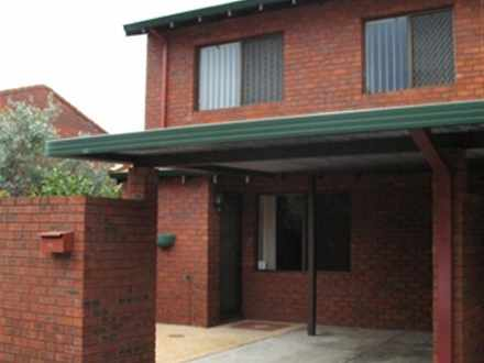 Townhouse - 24 Telopea Lane...