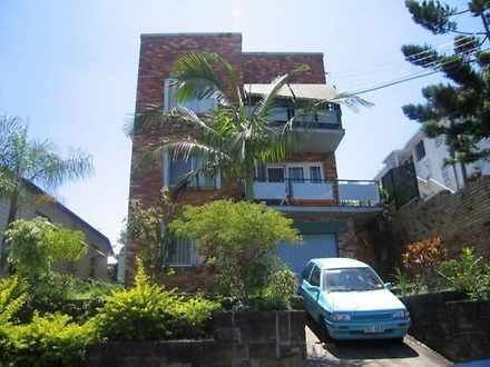 House - 4/35 Gladstone Road...