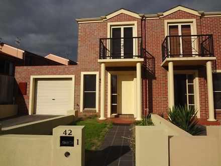 Townhouse - 1/42 Wellington...