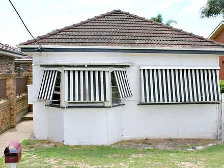 House - 42 Belgrave Esplana...
