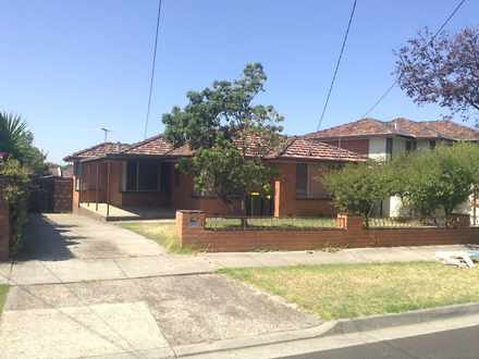 House - 84 Lincoln Drive, T...