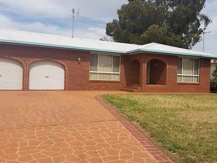 House - 33 Lawson, Parkes 2...