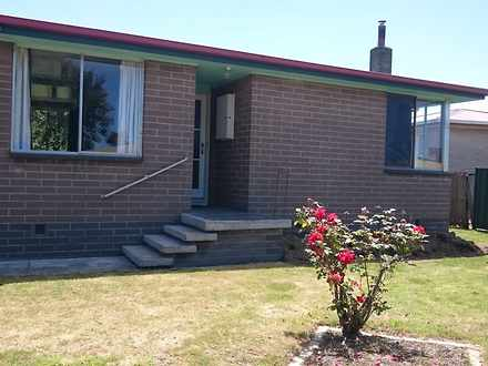 House - 2 Banksia Crescent,...