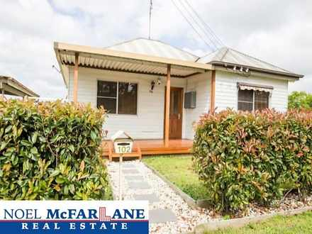 House - 102 Macquarie Road,...