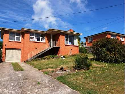 House - 17 Meadowbank Road,...