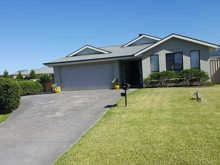 House - 14 Emerald Drive, M...