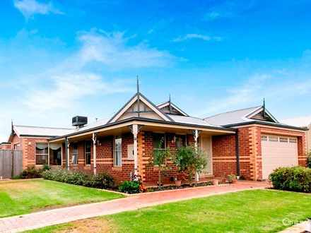 House - 12 Mallett Grove, L...