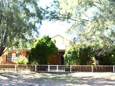 House - 13 Dubbo Street, El...