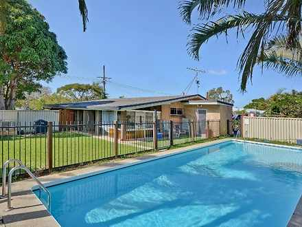 House - 32 Wavell Avenue, G...