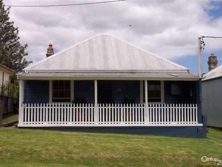 House - 98 Carrington Stree...