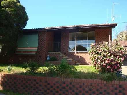 House - 8 Specimen Hill Roa...