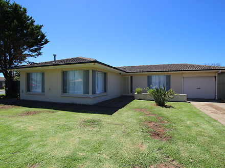 House - 30 Cottesloe Avenue...