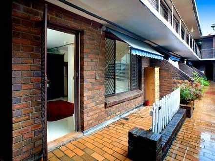 Studio - 3/108 Ebley Street...