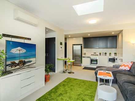 Apartment - 810/19 Baywater...