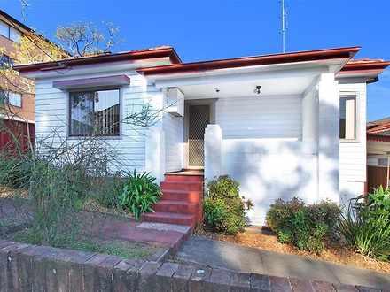 House - 9 Macquarie Street,...