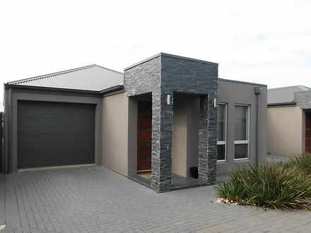 House - 6/3 Stephen Terrace...