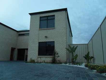 Townhouse - 8A Inverell Ave...
