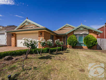 House - 19 Wakelin Crescent...