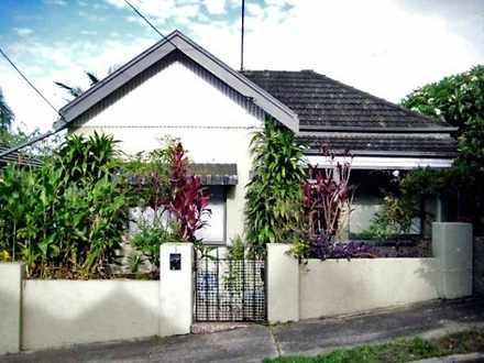 House - 3 Carlton Street, W...