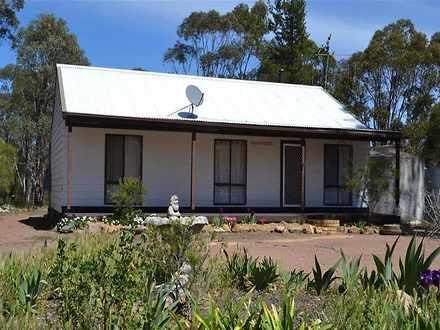 House - 8 Pine Close, Yarra...