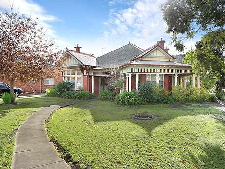 House - 200 Keilor Road, Es...