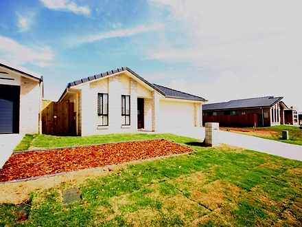 House - 27 Miers Crescent, ...