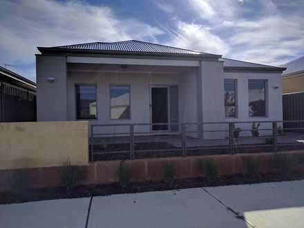 House - NBR.53 Barrington A...