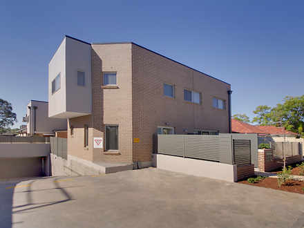 House - 4/17 Carinya Road, ...