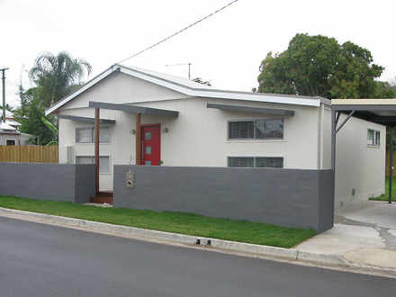House - 18 Anderson Street,...
